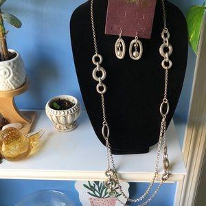💎Premier Design Silver necklace earring set!!💎